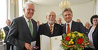 Große Auszeichnung für Baden-Badener Robert Mürb – Ministerpräsident Winfried Kretschmann überreichte Staufer-Medaille in Gold