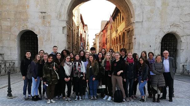 Stadt Rastatt übernimmt Reisekosten für Schüler – Zu Gast in Fano