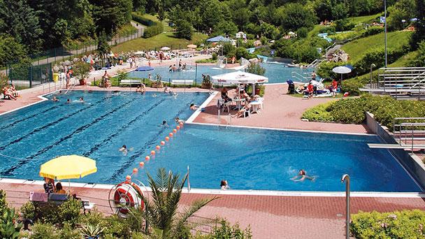 Warum nicht mal nach Gernsbach ins Schwimmbad?