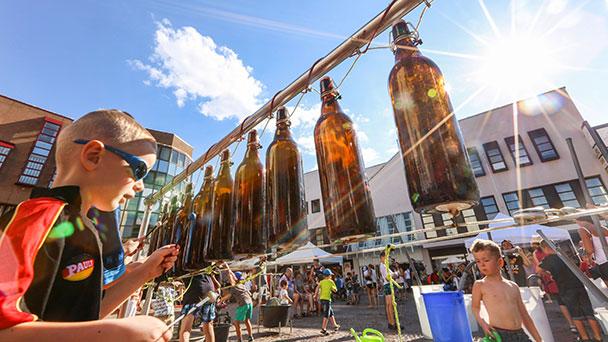 Wundersame Töne auf Gaggenauer Marktplatz – Musikmuseum Düsseldorf baut riesigen Klangkanal auf