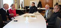 Erfolgreiche Kulturstadt Gernsbach – Urkunde zum Kulturpreis an Bürgermeister Christ übergeben