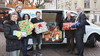 120 Geschenke für bedürftige Kinder zu Weihnachten - An Diakonisches Werk Baden-Baden und Rastatt übergeben