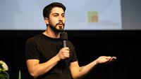 """Lesung mit Sozialaktivist Ali Can – """"Mehr als eine Heimat. Wie ich Deutschsein neu definiere"""""""