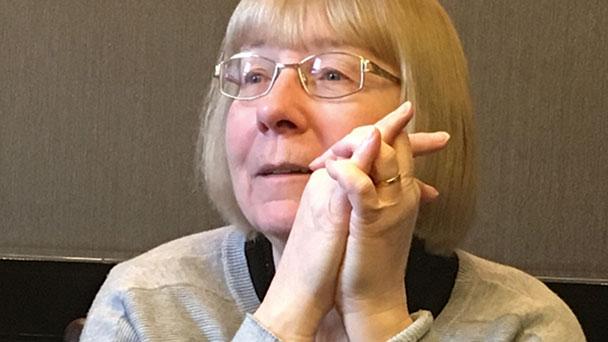 Schriftstellerin Erin Hunter in Gaggenau - Deutsche Stimme Marian Funk liest aus neuestem Warrior Cats Buch