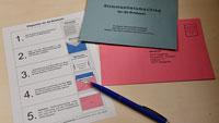 """Flut von Briefwahl-Anträgen in Gaggenau – Wahlleiterin Tanja Riedinger und der Rathaus-Briefkasten – """"Wir leeren mehrfach auch am Wochenende"""""""