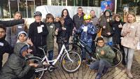 Radfahrer und Fußgänger im morgendlichen Dunkel wahrnehmen –  Dunkeltunnel im Richard-Wagner-Gymnasium