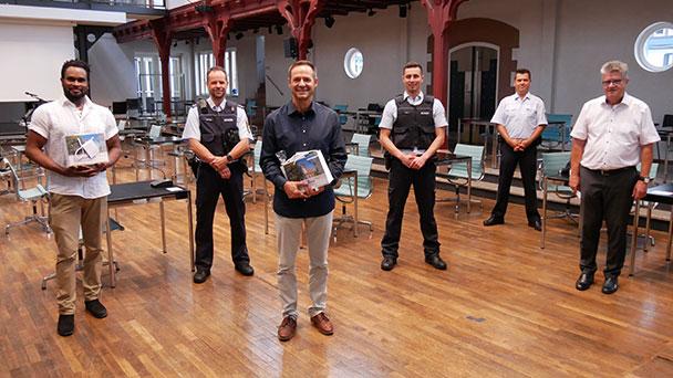 """Martin Oehler und Williams Idiaghomon verhinderten Taschendiebstahl in Bühl – """"Den beiden mutigen Helfern gilt meine große Anerkennung"""""""