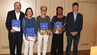 130 Jahre im öffentlichen Dienst – Bürgermeister Ernst übergibt Jubiläumsurkunden an langjährige Mitarbeiter