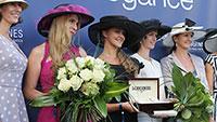 Eintrittskarte der besonderen Art in Iffezheim – Damen mit Hut oder Fascinator haben freien Eintritt