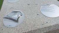 Übler Vandalismus am Merkur – Merkurs Würfel erklären Vielfalt der Baden-Badener Gesteinssorten