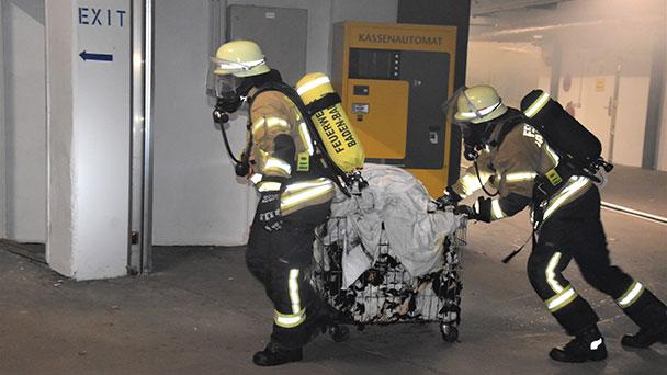 Feuer in Hotel in der Lange Straße – Feuerwehr konnte schnell löschen – Rauch im Haus ausgebreitet