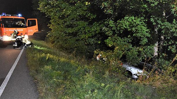 Schwerer Unfall am Zimmerplatz – Fahrer von Baden-Badener Feuerwehr befreit
