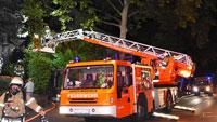 """Feuer in Mehrfamilienhaus in Baden-Baden – Drei Personen über Drehleiter """"gerettet"""""""
