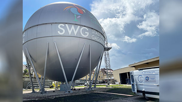 Energie-Nostalgie in Gaggenau – Gaskugel der Stadtwerke Gaggenau besteht TÜV-Prüfung
