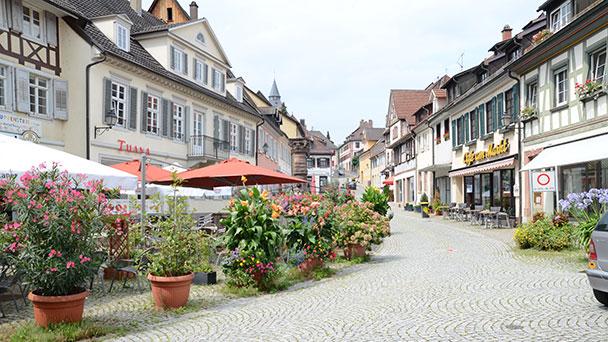 Gernsbach hilft Gastronomen – Gebühren werden erlassen – Stadtbuckel wird attraktiver gemacht