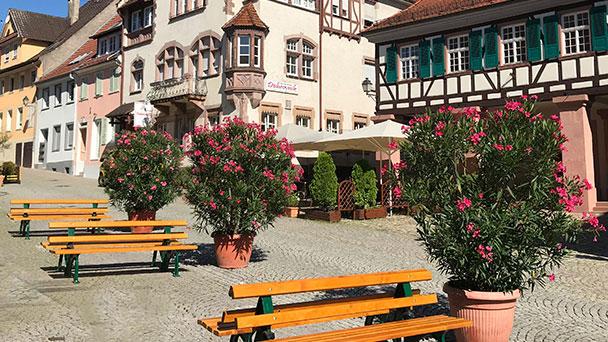 Gernsbach hilft Gastronomen – Erlass der Nutzungsgebühren – Mehr Flächen für die Außengastronomie