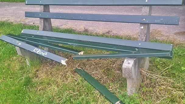 Rätselraten in Gaggenau über Serie von Müll-Vandalismus – Zerstörungswütige auch wieder tatkräftig am Werk
