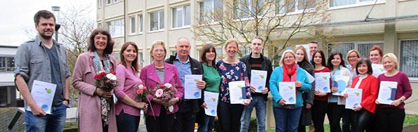 14 Qualifizierungen für Zukunftsberuf in Baden-Badener Volkshochschule – Zertifikate an Tagespflegepersonen erreicht