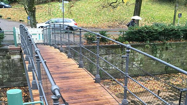 Seit Freitag wieder begehbar – Rekonstruktion der alten Baden-Badener Handwerkerbrücke