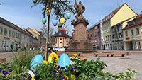 Warum nicht mal durch Rastatt spazieren? – Frühlingsblumen und Ostereier schmücken Innenstadt