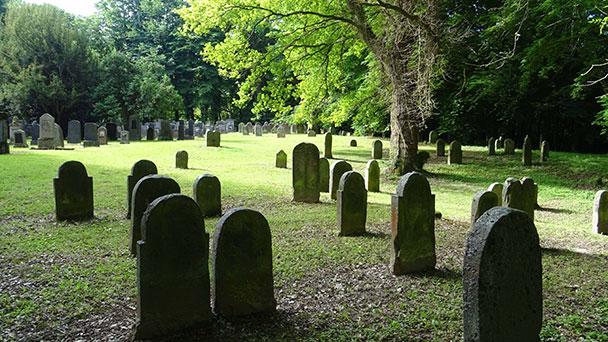Führung auf Jüdischem Friedhof Kuppenheim - Erstmals 1694 urkundlich erwähnt