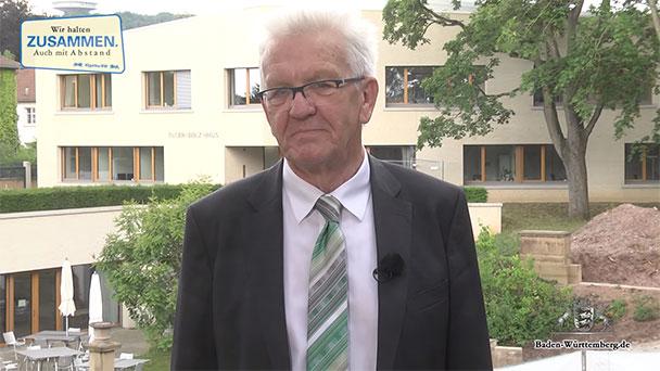 Tausende Beleidigungen gegen Kretschmann – Heute Abend Facebook-Account geschlossen – Gestern in Berlin ohne Mundschutz erwischt