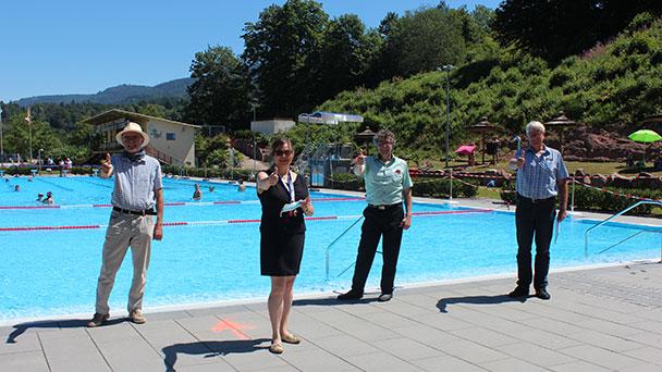 """Ottenauer Kuppelsteinbad eröffnet – """"Was derzeit nicht benutzt werden kann, sind die Duschen nach dem Baden"""""""