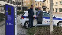 """E-Ladesäule vor dem Gernsbacher Rathaus – """"Einen weiteren kleinen Schritt in Richtung Klimaschutz"""""""