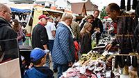"""Traditionsreicher Maimarkt als Onlineshop – Standbetreiber hoffen auf """"treue Stammkunden"""""""