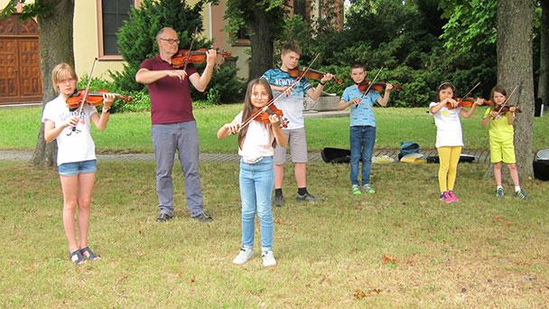 """Orientierungstag der städtischen Musikschule in Rastatt am 9. Oktober – """"Traditionelle und populäre Instrumente"""""""