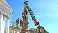 Großherzog Ludwig zurück auf dem Marktplatz – Bronzene Löwenmasken folgen Mitte August