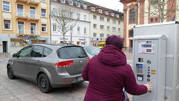 Automaten in oberer Kaiserstraße in Betrieb – Maximal drei Stunden für 1,20 Euro pro Stunde
