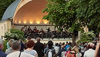 """Kostenloses """"Rendezvous Classique"""" im Baden-Badener Kurgarten – Musik aus """"Gladiator"""" und ein Medley aus """"Westside Story"""
