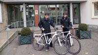 Polizeibeamte auf Fahrrädern in Bühl - Pedelecs sollen Bürgernähe schaffen
