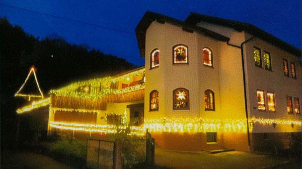Vollmondlauf-Umtrunk in Gaggenau - Weihnachtlich beleuchtetes Anwesen