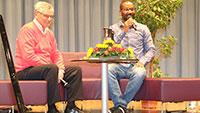 """Interkulturelle Woche in Sinzheim """"Zusammen leben, zusammen wachsen"""" – Ex-Fußball-Nationalspieler Cacau besuchte Sinzheimer Realschüler"""