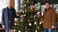 Weihnachtsspendenbaum am Rathaus – Für in Not geratene Gernsbacherinnen und Gernsbacher