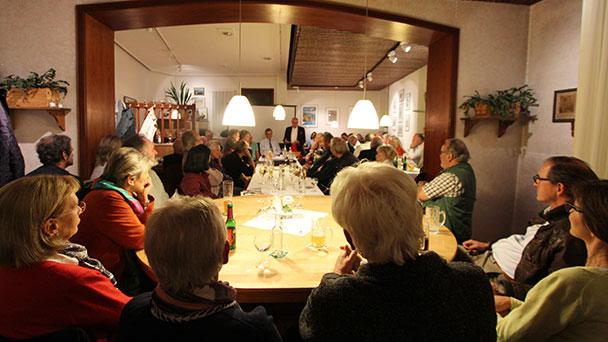 Erster Stammtisch der FBB mit 70 Besuchern – Fünf weitere Termine geplant