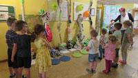 """Forschertag auch in Kindertagesstätte Rheinau-Nord – """"Papier – das fetzt!"""""""