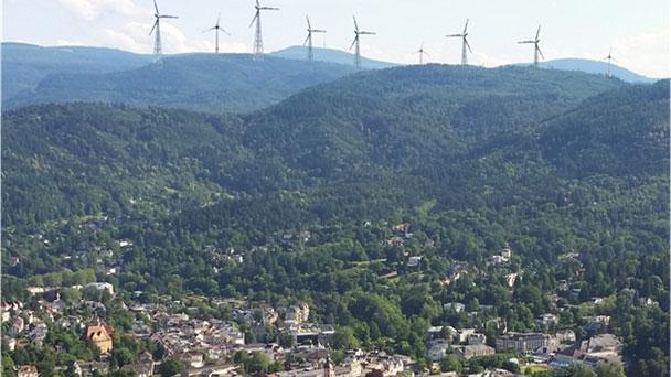 Bürgerinitiative Windkraftfreies Grobbachtal sieht Teilerfolg – Fotomontage soll Wirkung von Windkraftanlagen in Baden-Baden zeigen