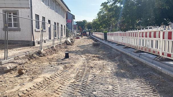 In Steinbach wird geschafft – Abschluss Sanierung Yburgstraße Mitte Oktober