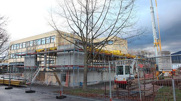 Neuer Gebäudeteil für Merkurschule in Gaggenau – Dort soll die Mensa Einzug halten und Schüler sollen lernen wie man mit Kochlöffel umgeht