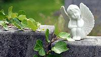 Diebe auf Gernsbacher Friedhof – Rathaus bittet die Polizei einzuschalten