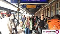 Chaos am Bahnhof Baden-Baden - Bahnverkehr zwischen Baden-Baden und Karlsruhe komplett unterbrochen - Busnotverkehr für tausende Bahnreisende bis voraussichtlich Samstag