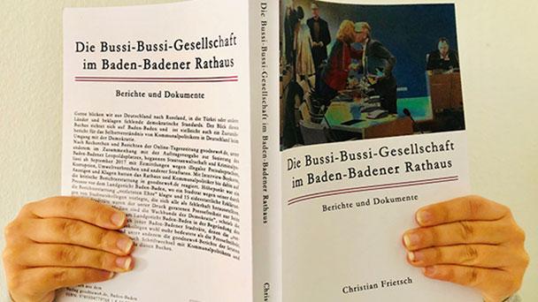 """Folge 28 aus dem Buch """"Die Bussi-Bussi-Gesellschaft im Baden-Badener Rathaus"""" von Christian Frietsch – Seite 211-216 aus dem Kapitel """"Die Leo-Affäre"""""""