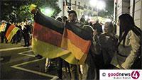 """Schleudereinlage bei Autokorso ging nochmal gut - Baden-Badener Fußballfans verloren Überblick bei den Elfmetern: """"Nein nicht mehr mitgezählt"""" - Am Donnerstag gegen Frankreich"""