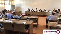 """Im Schatten des Todes von Frieder Burda – Heikle Entscheidung zur Behördennummer 115 im Baden-Badener Rathaus vertagt – Letzte Sitzung des """"alten"""" Hauptausschusses"""