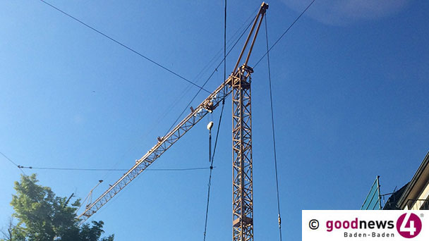 Römerwall in Steinbach gesperrt - Mobilkran steht im Weg