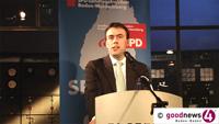 Finanzminister Nils Schmid im Kurhaus Baden-Baden - Diskussion mit Bürgern auch zur Landespolitik