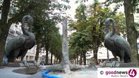 """Baden-Badener Thermalbrunnen schwer beschädigt - """"Gusseiserner Vogel am Reiherbrunnen in der Sophienstraße gewaltsam abgerissen"""""""